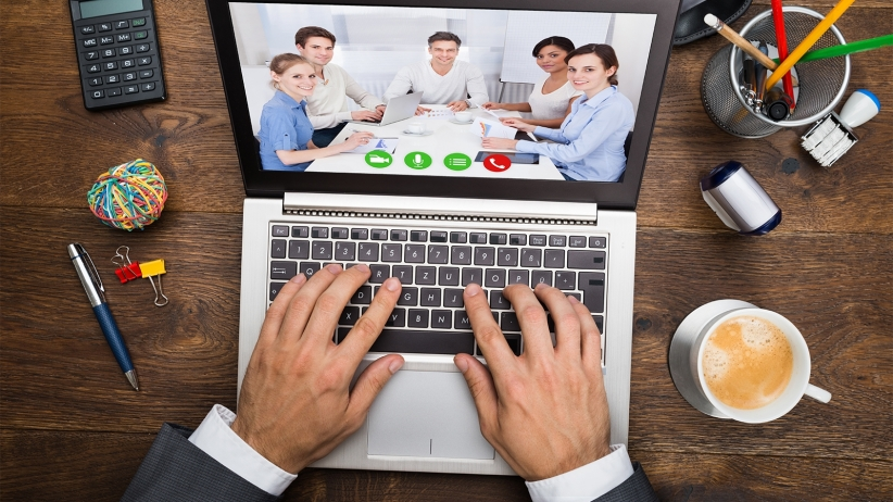 20150825190001-webinar-conference-desk-workspace